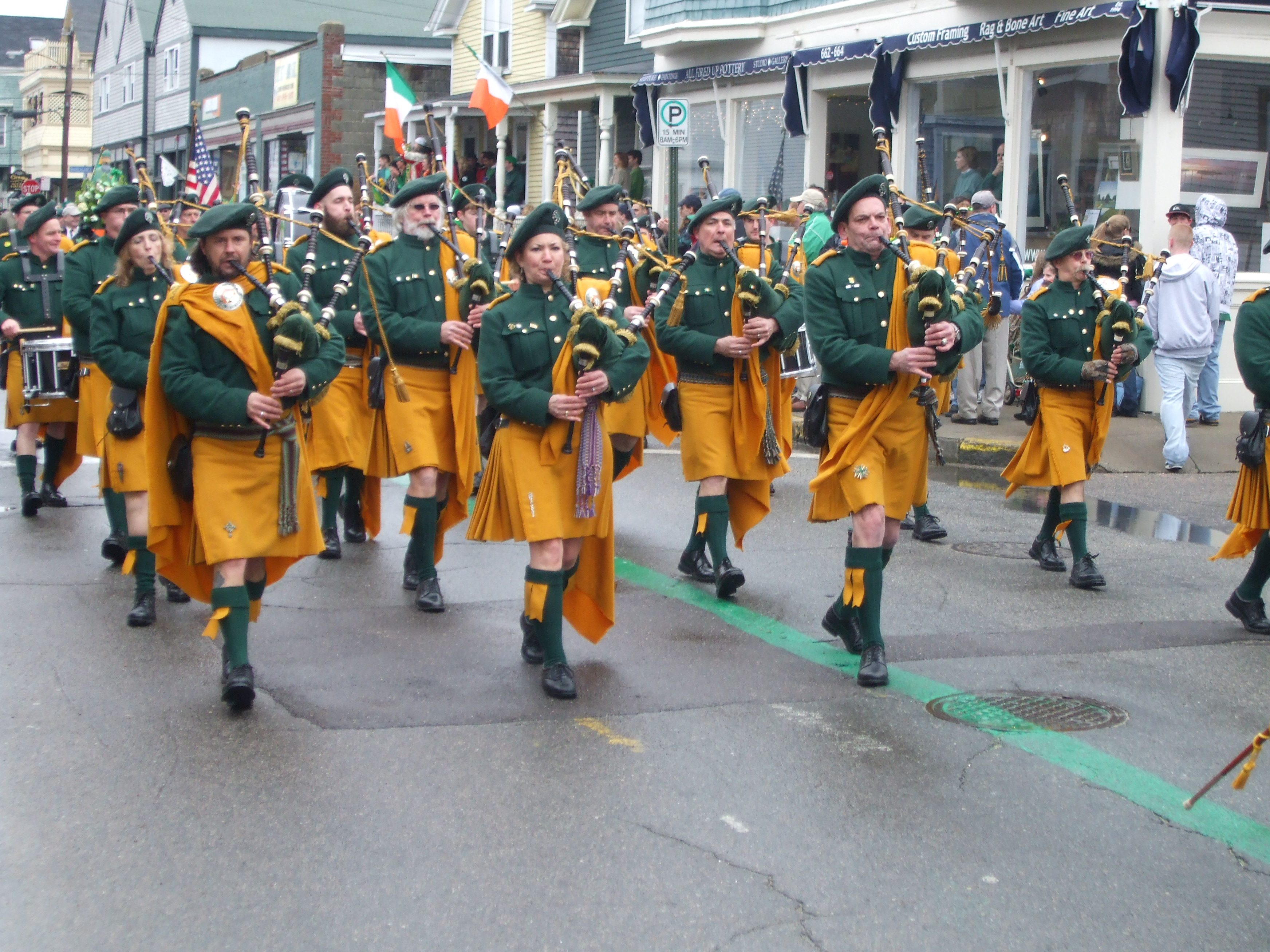 Before the Kilt How the Irish and Scots Dressed in the